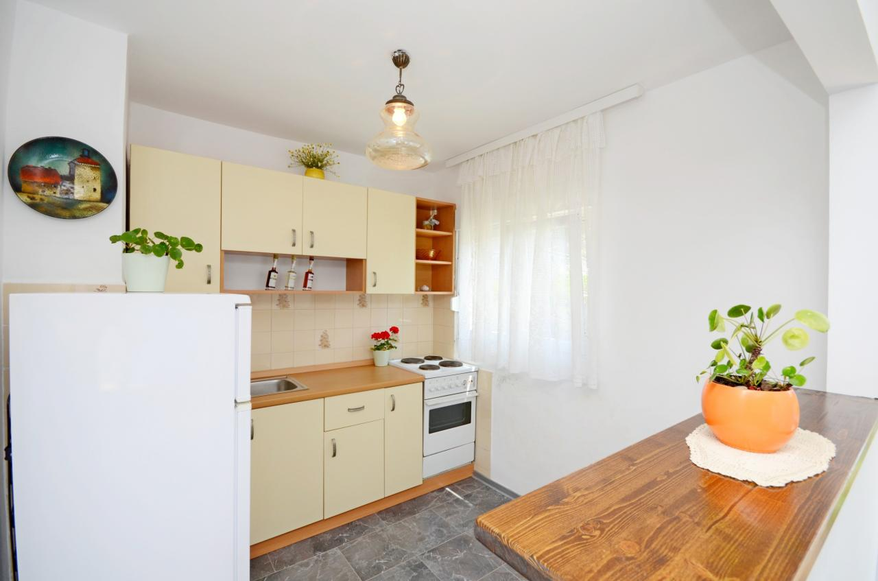 auf der ersten etage 65 m wohnung f r 4 6 personen nur 10 bis mee objekt nr 15507. Black Bedroom Furniture Sets. Home Design Ideas