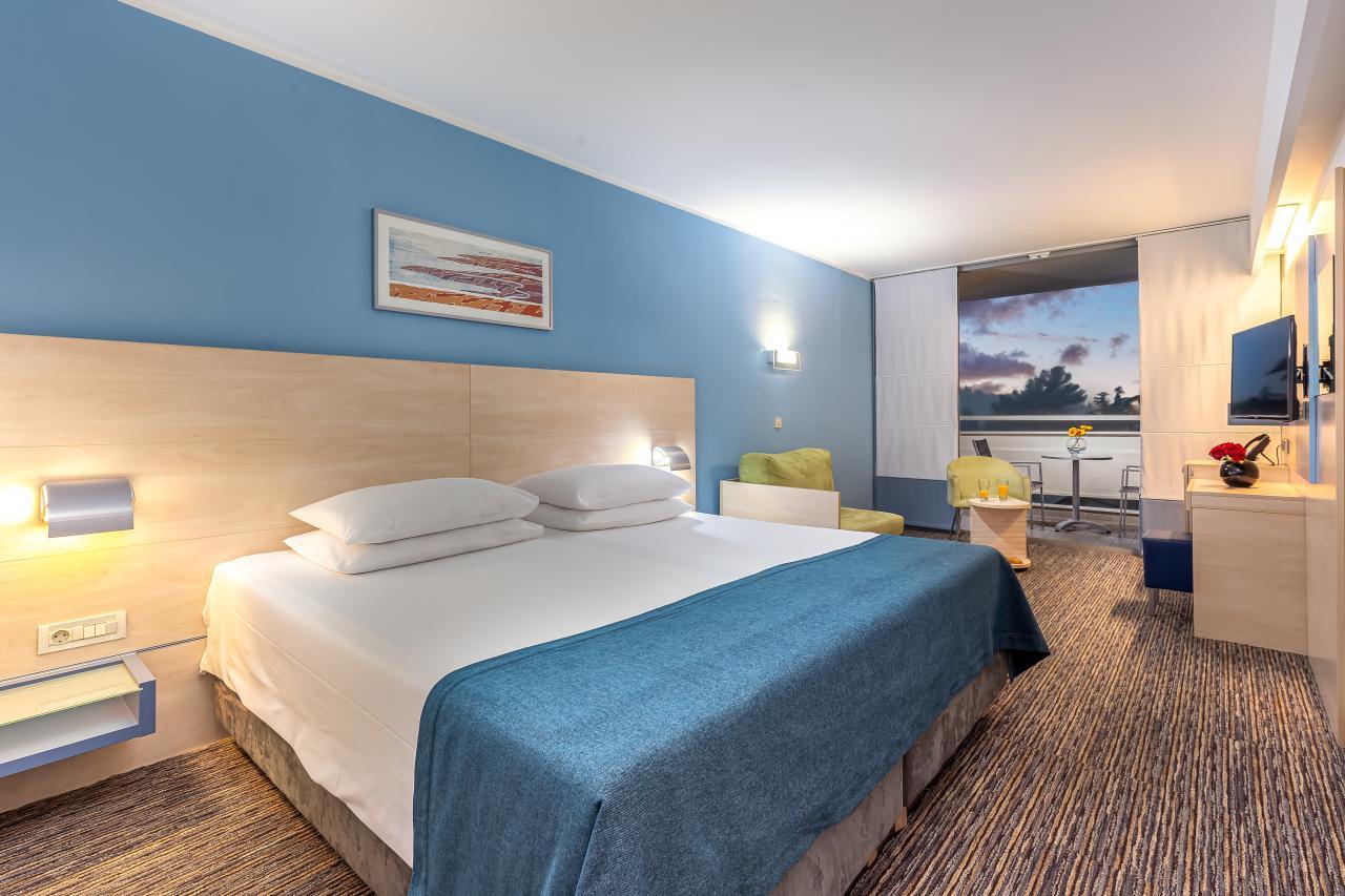 hotel valamar diamant porec. Black Bedroom Furniture Sets. Home Design Ideas