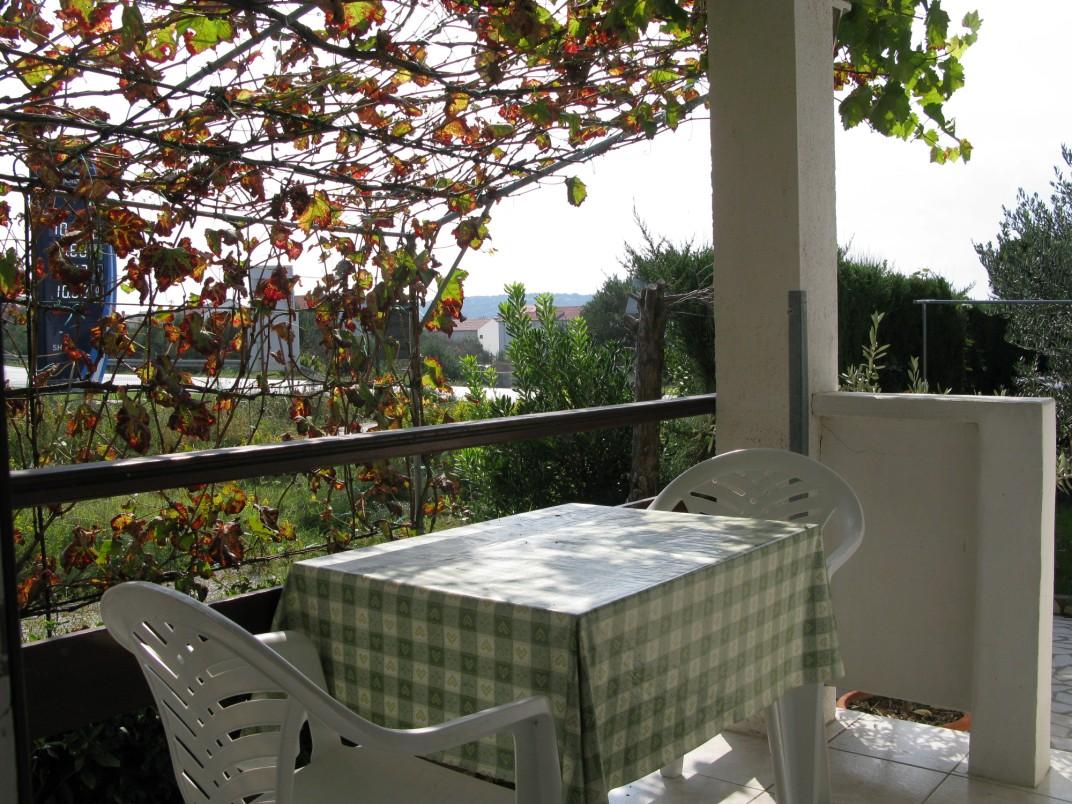 wohnung im eg mit garten terrasse grill f r max 3 pers objekt nr 9643. Black Bedroom Furniture Sets. Home Design Ideas